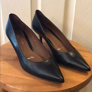 Donald J Pliner Pumps- sz10